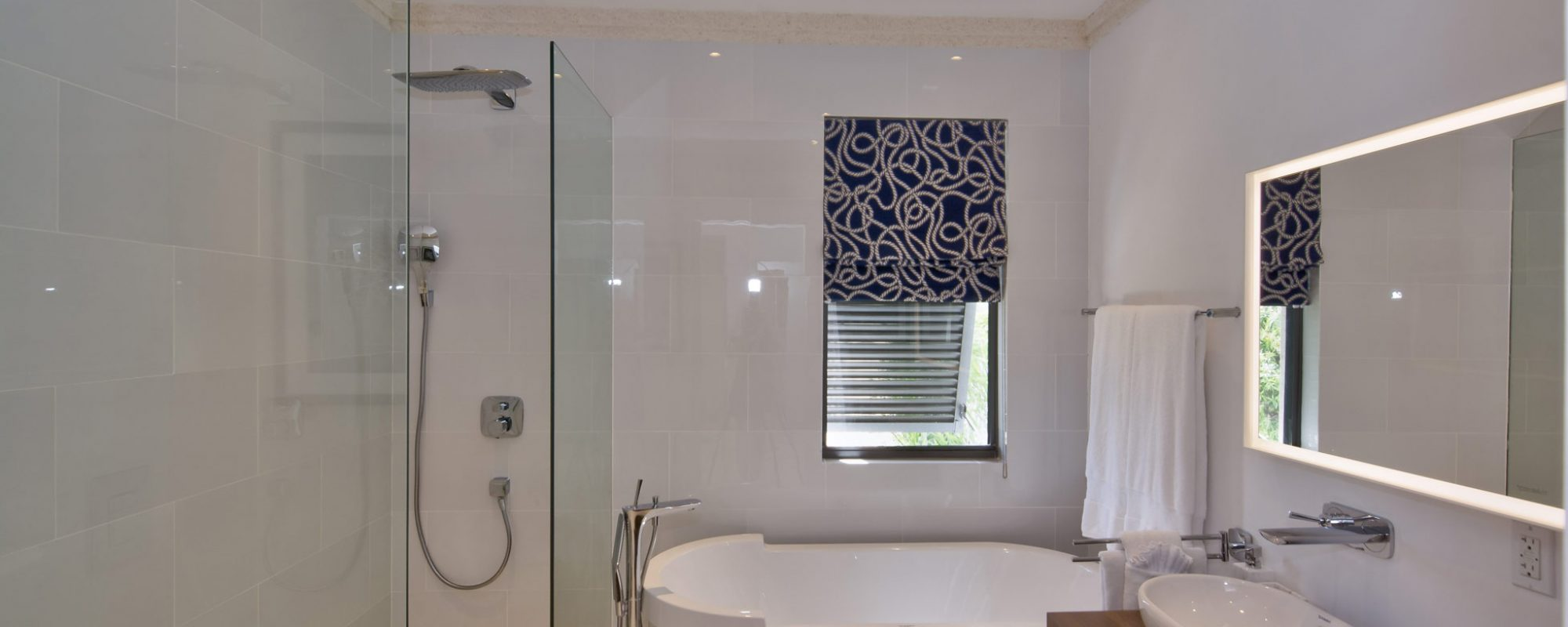 63-masterbedroom-bathroom
