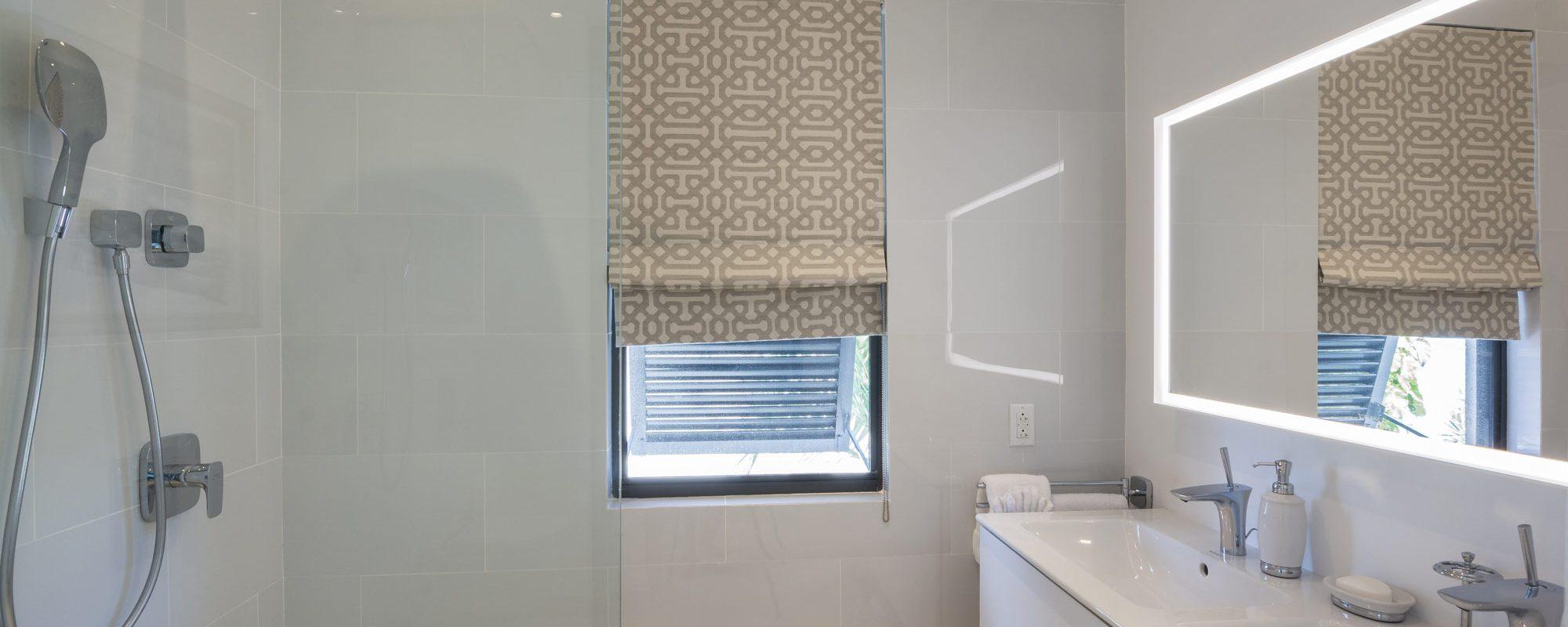 76-guestrooms-B-bath